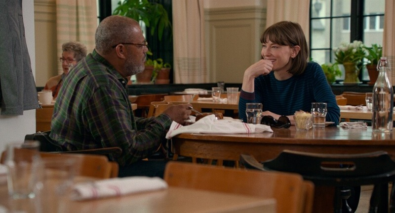 Laurence Fishburne e Cate Blanchett em cena de Cadê Você, Bernadette?