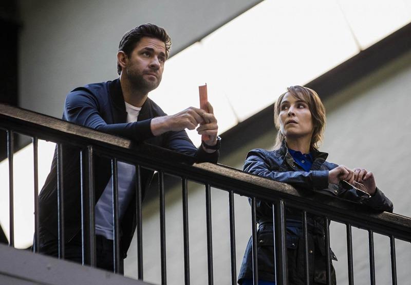John Krasinski e Noomi Rapace em cena de Jack Ryan - 2ª temporada