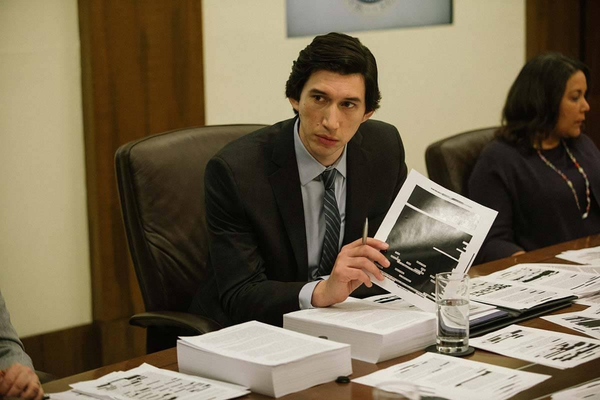 Adam Driver em cena de O Relatório