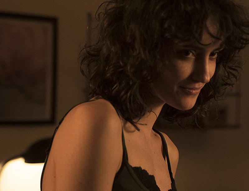 Ayla Gretas em cena do filme Ainda Temos a Imensidão da Noite