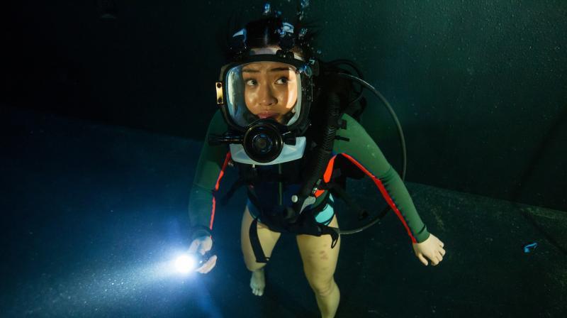 O filme se passa em uma caverna submersa