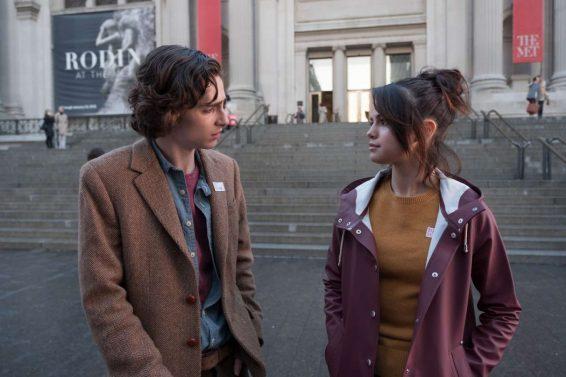 Chalamet e Gomez em cena do filme