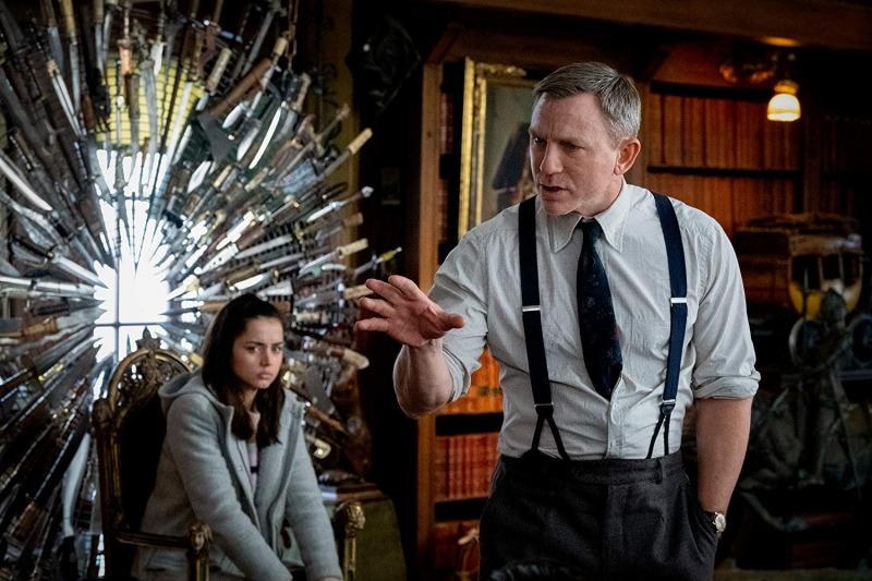 Daniel Craig e Ana de Armas em cena de Entre Facas e Segredos