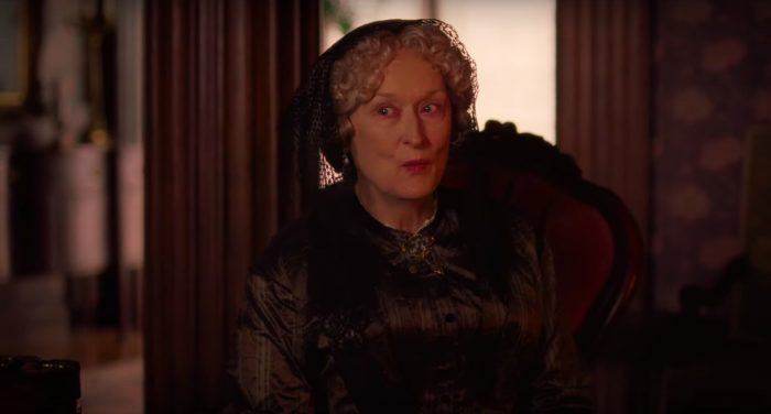 Meryl Streep como Tia March