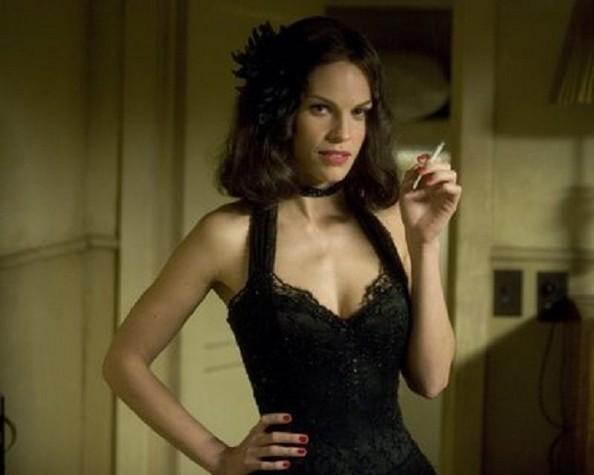 Hilary Swank como Madeleine Linscott