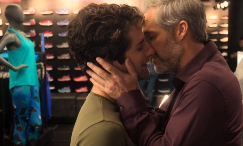 Júlian e o namorado, Diego