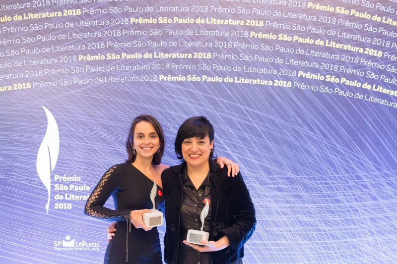 Aline Bei e Cristina Judar, vencedoras do premio São Paulo de Literatura, por O Peso do Pássaro Morto e Oito do Sete, respectivamente