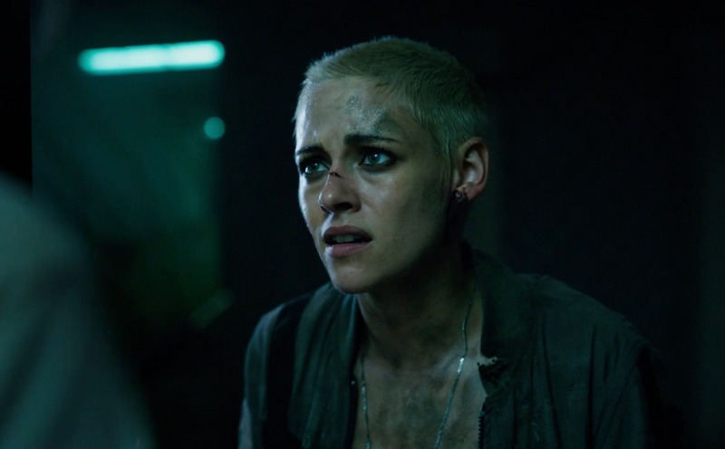 Kristen Stewart em cena de Ameaça Profunda