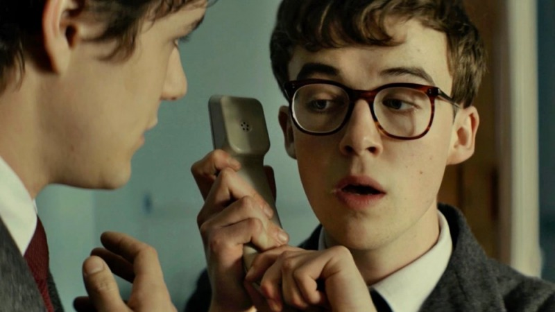 O filme fala de questões tipicas da adolescência