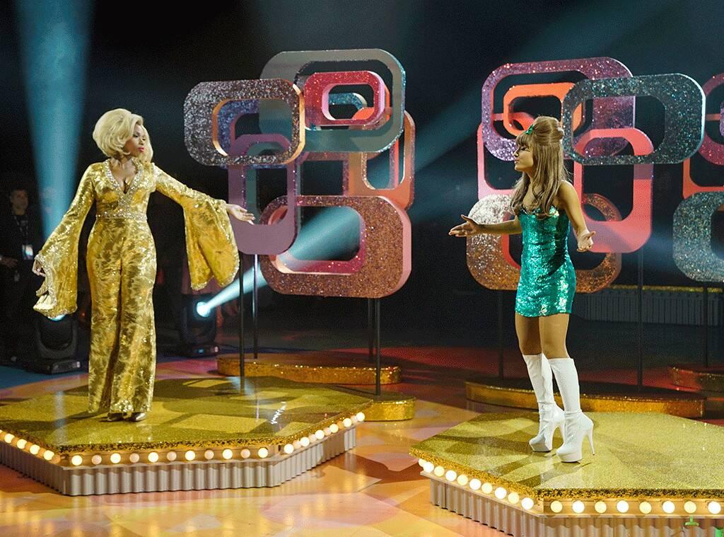 Jennifer Hudson e Ariana Grande em cena de Hairspray Live!