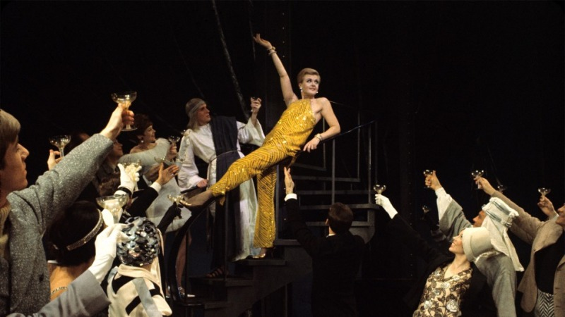 Angela Lansbury como Mame na montagem da Broadway