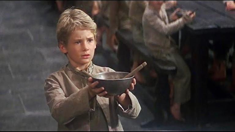 Oliver! fala sobre as condições das crianças órfãs