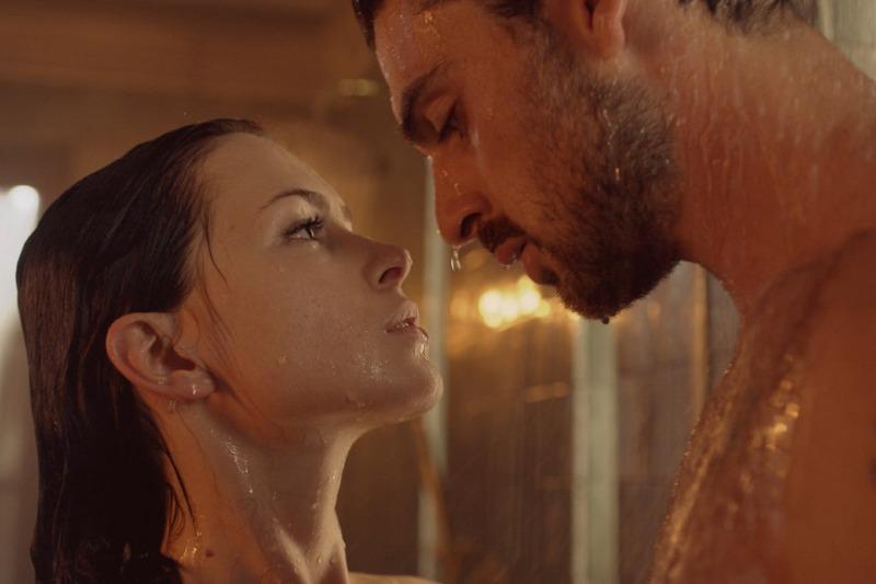 O filme 365 Dias retrata um relacionamento abusivo