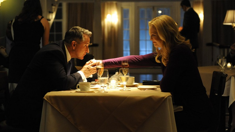 Anthony LaPaglia e Joan Allen em cena de A Good Marriage