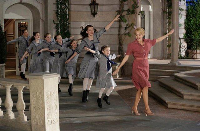 A Noviça Rebelde Ao Vivo! se aproxima mais da montagem da Broadway do que do filme de 1965