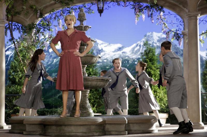 Maria fica mais próxima das crianças do que o Capitão von Trapp