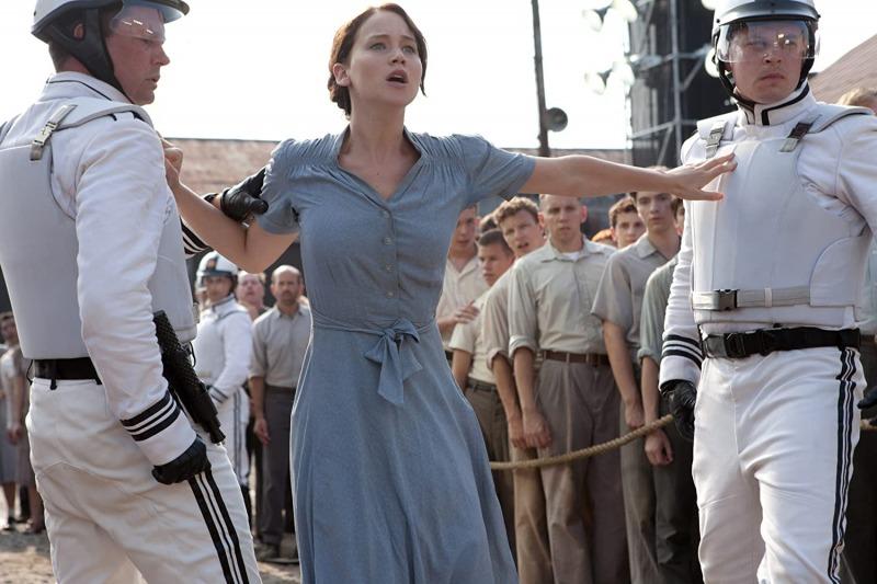 Katniss se voluntaria para participar dos Jogos Vorazes