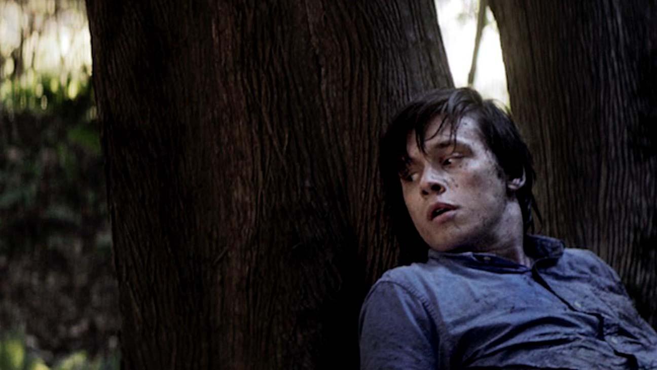 Nick Robinson como Philip em Strange But True