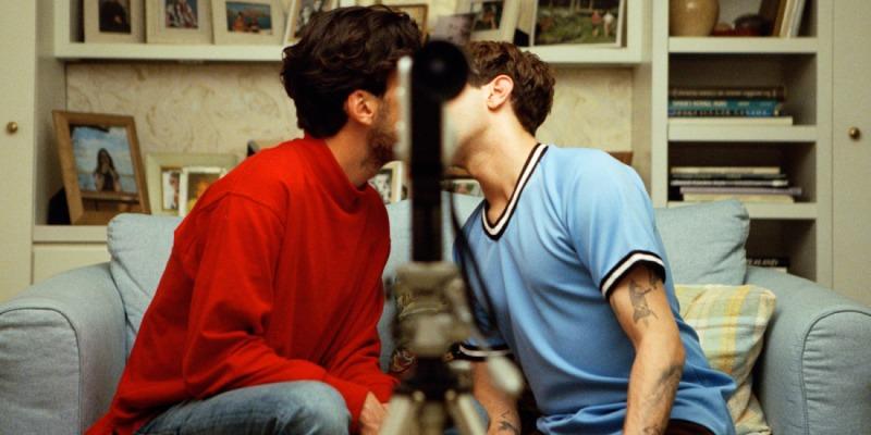 O beijo que os dois amigos trocam, faz com que eles se questionem em Matthias e Maxime