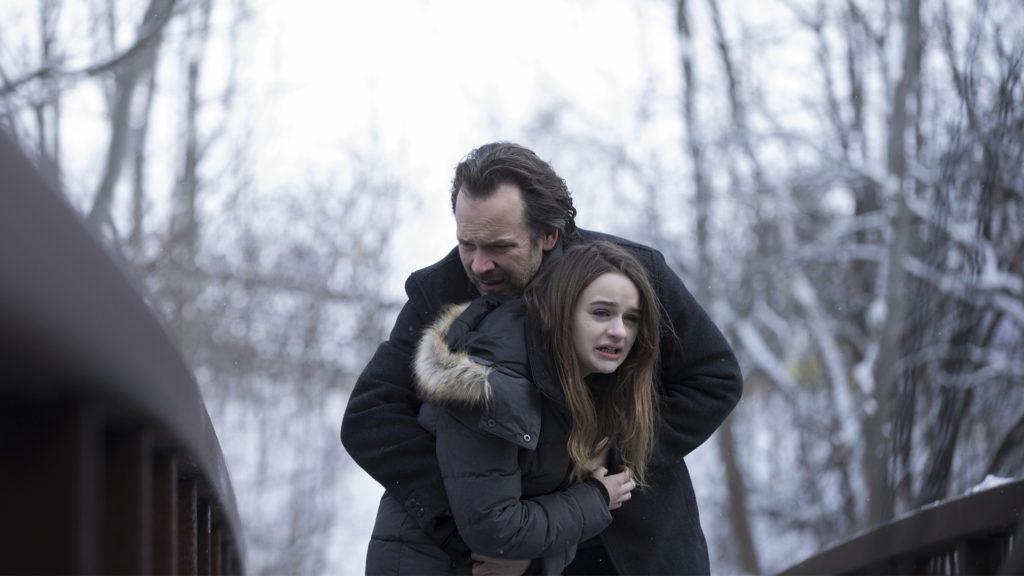Jay e Rebecca precisam decidir se vão proteger a filha ou não