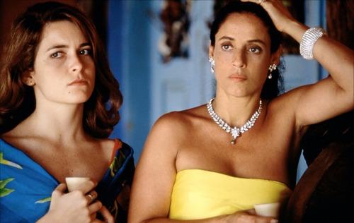 Cláudia Abreu e Sônia Braga em cena de Tieta do Agreste