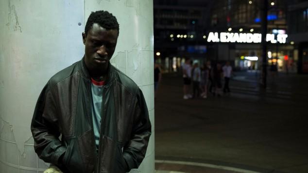 O filme Berlin Alexanderplatz fala sobre a situação e a vida dos imigrantes
