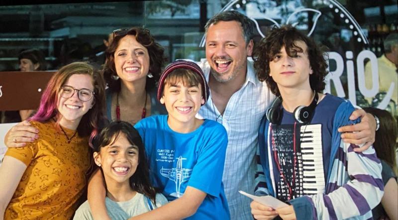 Angela, Beto e as crianças