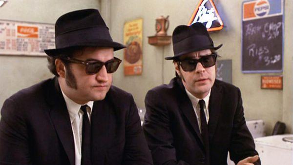Os Irmãos Cara-de-Pau é uma mistura de comédia e musical