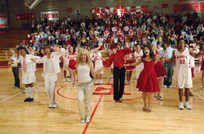 High School Musical é basicamente um filme adolescente com músicas