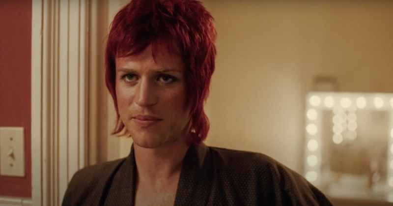 Johnny Flynn como David Bowie - Stardust