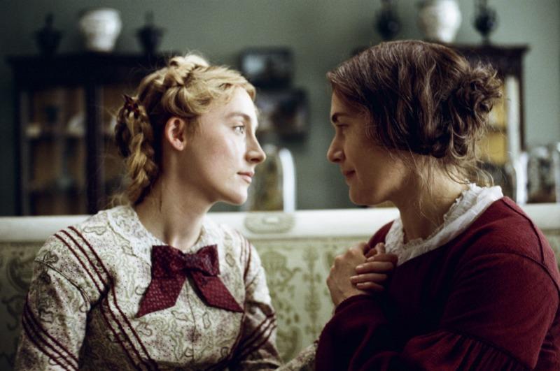 Charlotte e Mary em Amonite