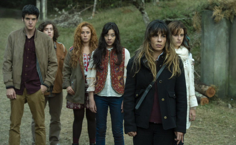 Giovana e as filhas são as forasteiras que conhecem a cidade junto com a plateia - Desalma