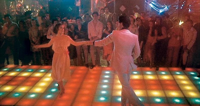 A dança é o ponto alto de Os Embalos de Sábado à Noite