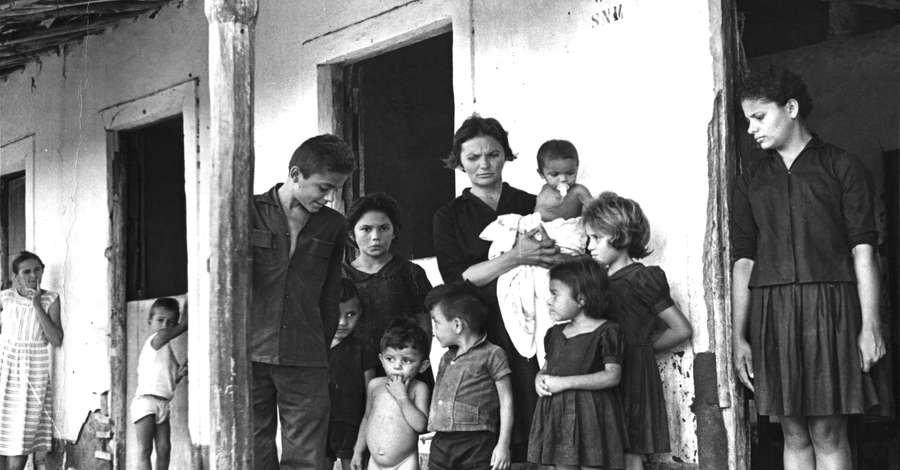 Elizabeth e os filhos em Cabra Marcado Para Morrer