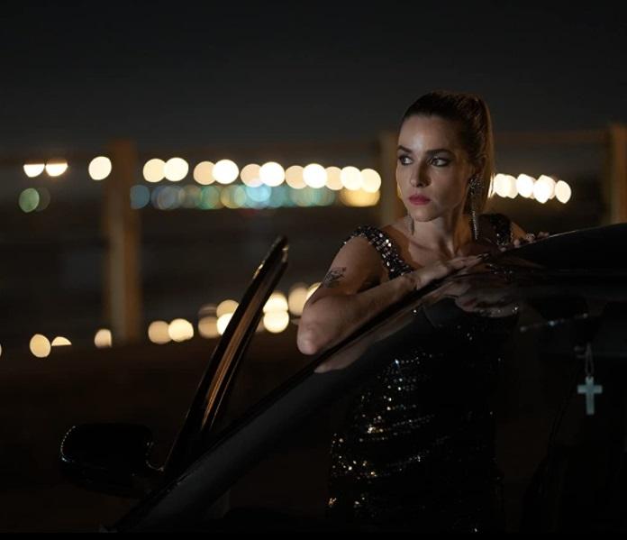 Monique Alfradique como Lara em Reação em Cadeia